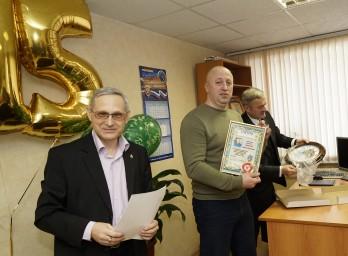 22 февраля 2018 года. Собрание по случаю 15 летия образования коллегии. Награждается адвокат Максим Ходосов