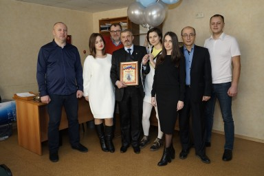 29 ноября 2017 года. Коллектив поздравил адвоката Евгения Длужевского с днем рождения