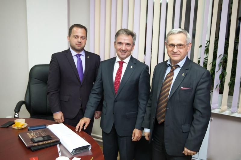 6 сентября 2016 года. В адвокатской палате Сахалинской области